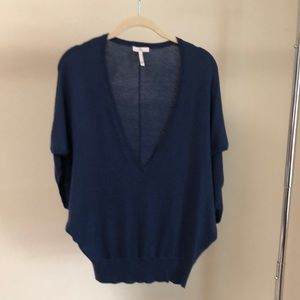 Joie v neck lightweight sweater